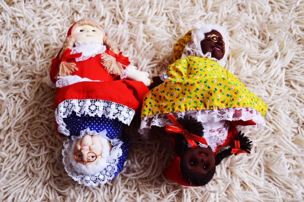 Story dolls