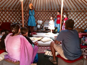 Wendy Shearer Storytelling at a family fun day - Night of Festivals