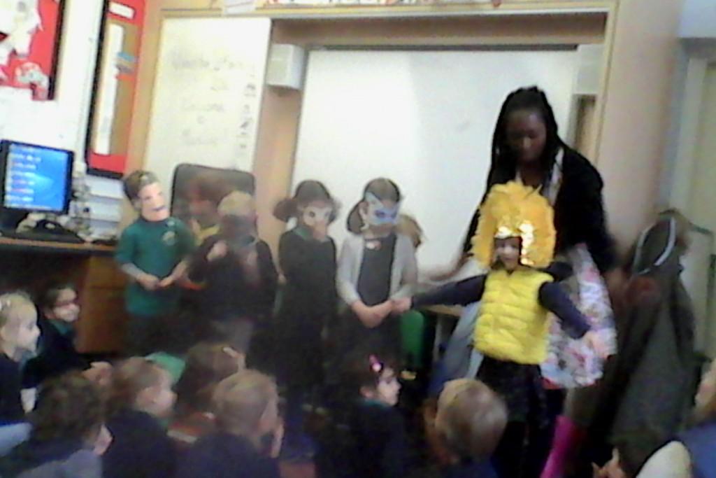 Wendy Shearer storytelling at Campsbourne School