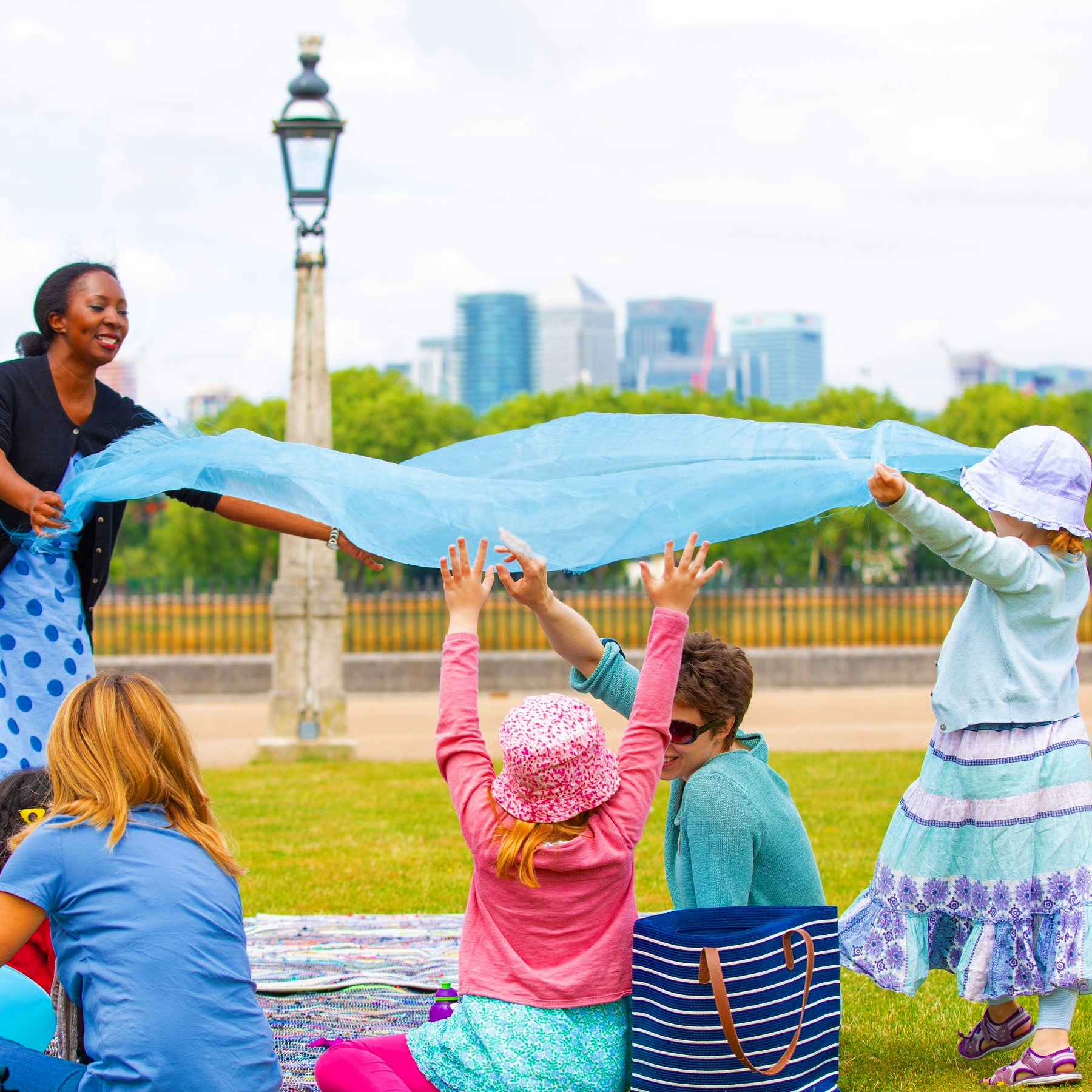 Wendy Shearer storytelling outside at Greenwich